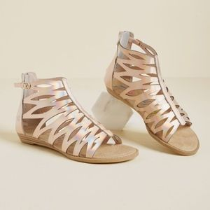 NEW Modcloth Earned Your Rays Sandals in Rose Gold